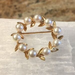 Vintage 14k Gold Pearl and Diamond Brooch